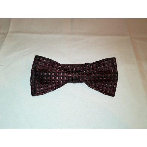 Bordó alapon rózsaszín és fekete mintás selyem előre megkötött csokornyakkendő
