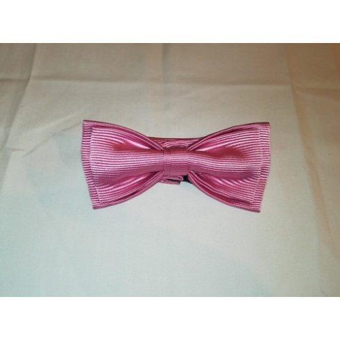 Rózsaszín, anyagában csíkos selyem előre megkötött csokornyakkendő