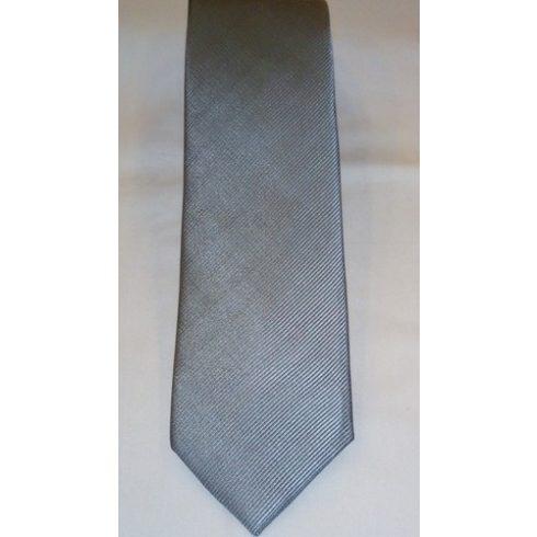 Ezüstszürke, anyagában csíkos selyem nyakkendő