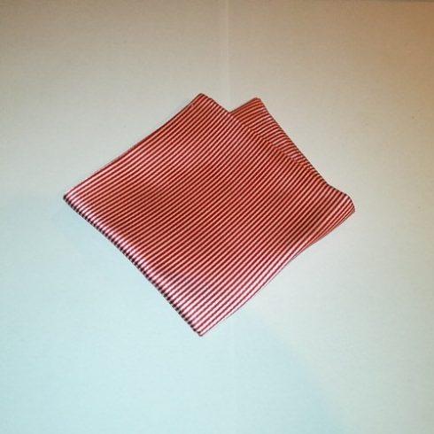 Fehér alapon piros csíkos selyem díszzsebkendő