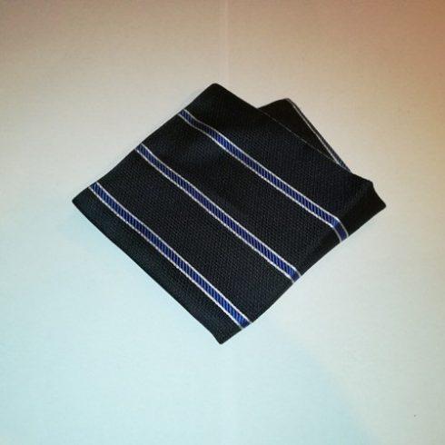 Fekete alapon fehér és királykék csíkos selyem díszzsebkendő