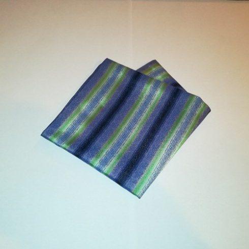 Sötétlila, zöld és kék csíkos selyem díszzsebkendő