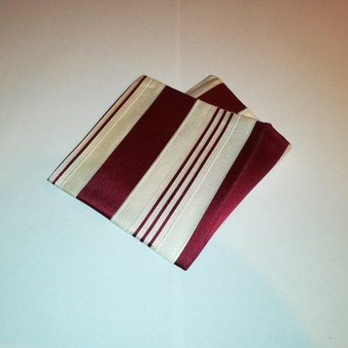 Törtfehér alapon bordó csíkos selyem díszzsebkendő