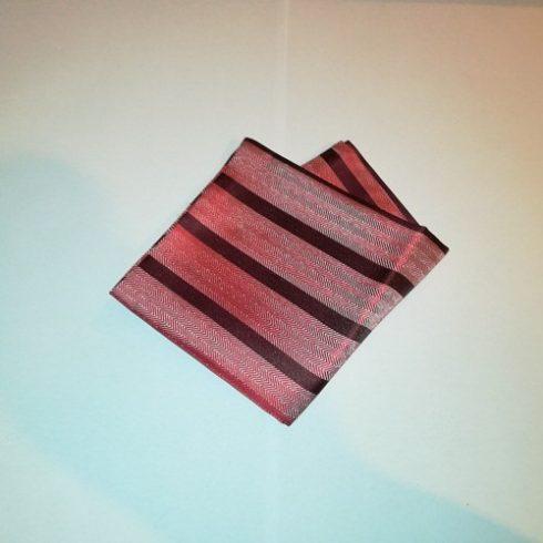 Bordó alapon piros és szürke csíkos selyem díszzsebkendő