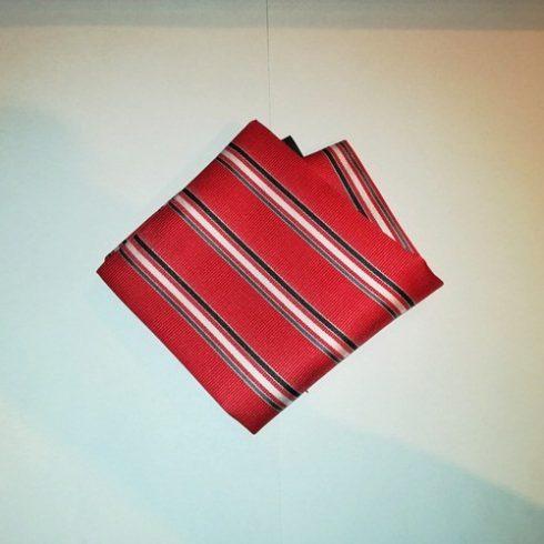 Piros alapon fehér, szürke és sötétszürke csíkos selyem díszzsebkendő