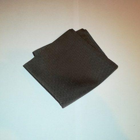 Fekete alapon barna mintás selyem díszzsebkendő