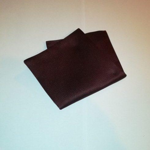 Bordó alapon fekete mintás selyem díszzsebkendő