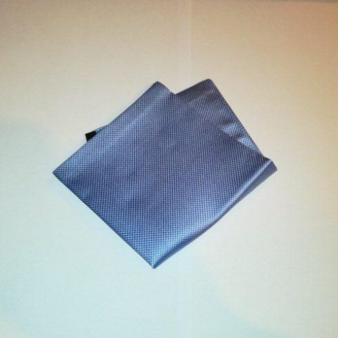 Acélkék alapon fekete mintás selyem díszzsebkendő