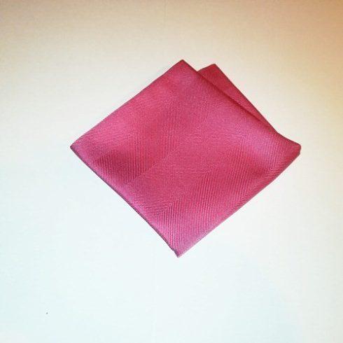 Rózsaszín, anyagában mintás selyem díszzsebkendő