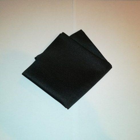 Fekete selyem díszzsebkendő