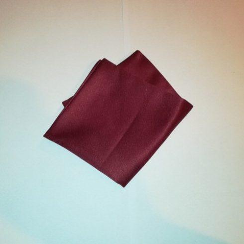 Bordó selyem díszzsebkendő