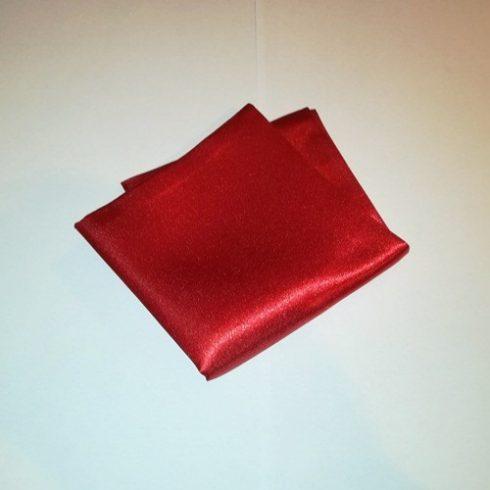 Piros selyem díszzsebkendő