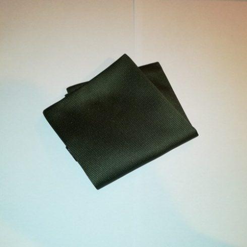 Sötétzöld, anyagában csíkos selyem díszzsebkendő