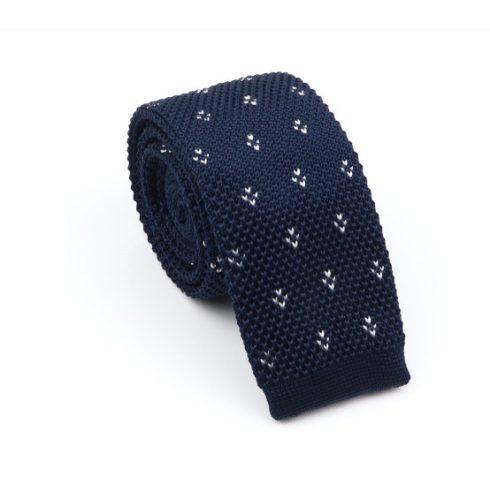 Királykék alapon fehér mintás kötött selyem nyakkendő