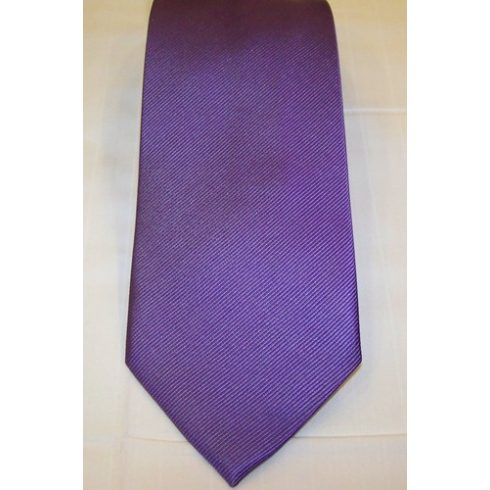 Középlila, anyagában csíkos selyem nyakkendő